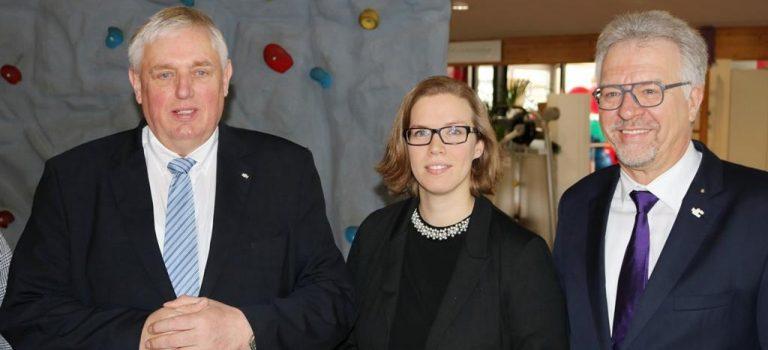 Minister Laumann bei medicoreha